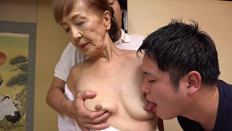 浅野多恵子のおっぱい乳首舐め