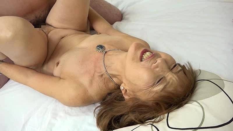 浅野多恵子の正常位セックス