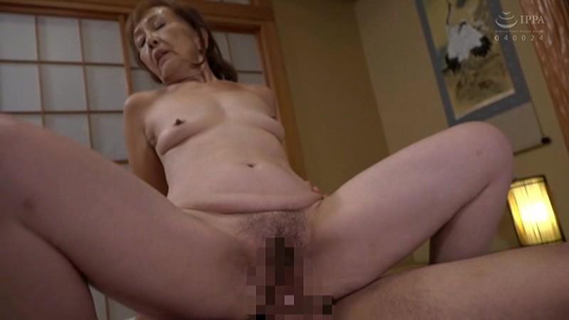 浅野多恵子の背面騎乗位セックス