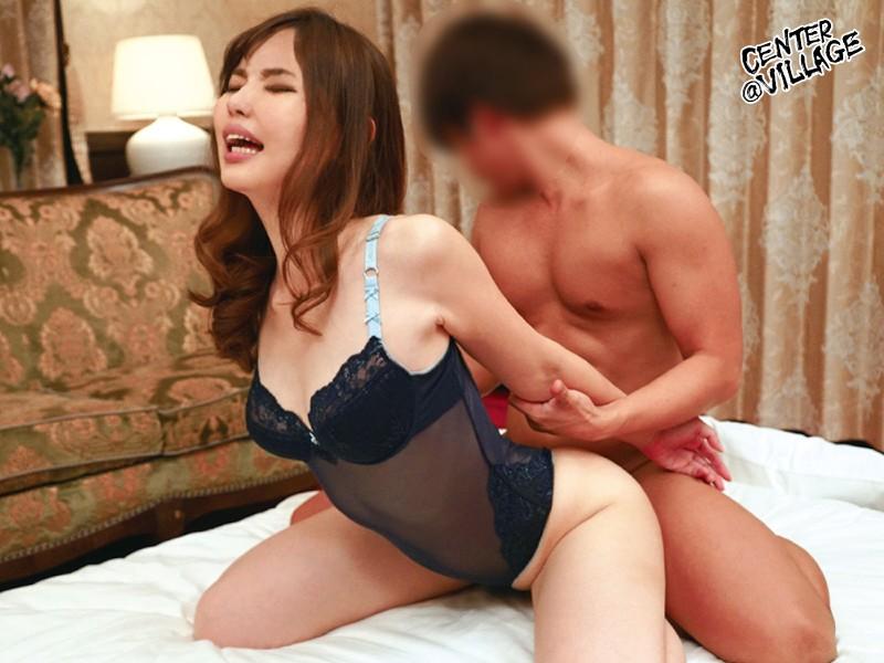 岩佐夏希のAVデビューバックセックス