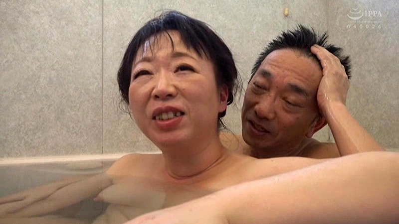 川島亜紀の混浴風呂