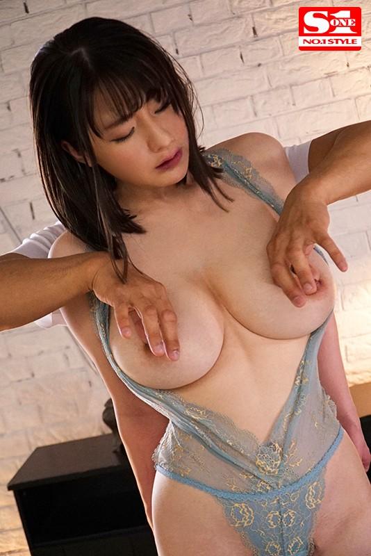 筧ジュンの爆乳乳首責め