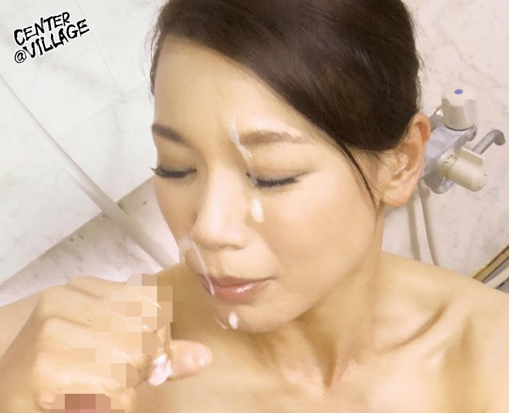 里崎愛佳の顔射