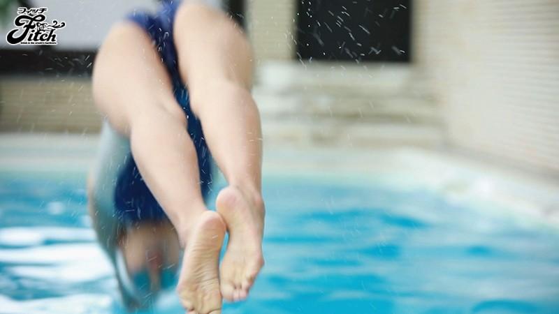 寺川彩音の競泳水着