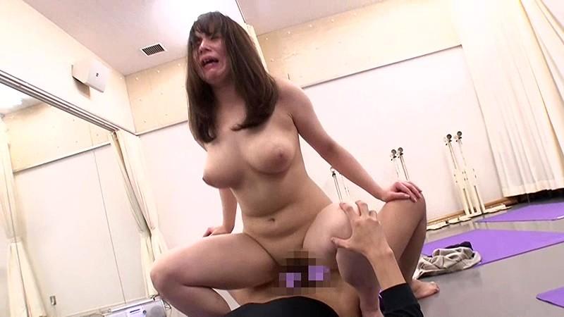 Gカップ巨乳の騎乗位セックス
