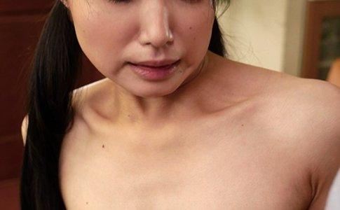 あやめ陽菜の乳首