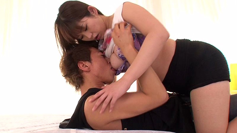 成田愛のエロ画像