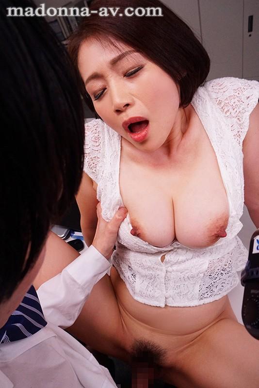 友田真希(ともだまき)のエロ画像